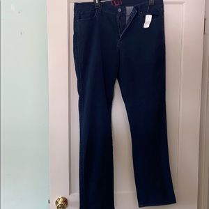 NWT Elle dark wash skinny jeans